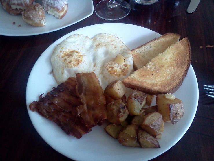 Labatt 50 Breakfast $12 ($10 without 50)