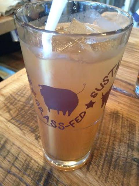 White Peach Ice Tea ($3.25)